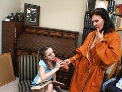 Redtube Mama Uči Kćer