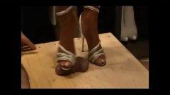 نساء مسيطرات, حب الأرجل, كعوب, خبيرات