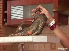 ماريا بيلوشي, الزبار الصناعية, نكاح اليد