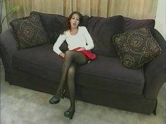 جينا هاز, فتشية, تحت التنورة