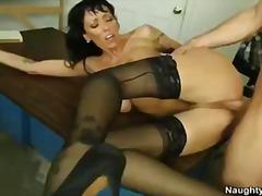 Janine, pijpen, brunette, rondborstig, zaadlozing, hard, orgasme, pornoster, student, leraar