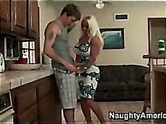 блондинки, мамочки, на кушетке, сиськи, большая грудь