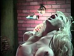 Bridgette Kerkove, blond, pijpen, paar, masturbatie, pornoster, anaal, speeltje, grote borsten