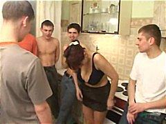 جنس جماعى, خبيرات, رجال كبار مع شابات