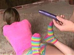 فاي ريجان, بنات جميلات, ظرفاء, الزبار الصناعية, لعق