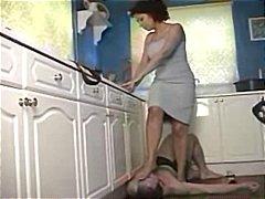 ქალის დომინირება, ფეხის ფეტიში