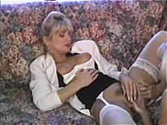 sarışın, divanda, fetiş, tüklü, ağır sikişmə, lezbi, xalaşka, ana, orqazm, real