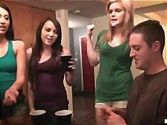 نيك بقوة, الجنس فى مجموعة, حفلة, نيك ثلاثى, مراهقات