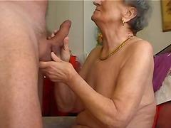 მოყვარული, პირში აღება, ბებია
