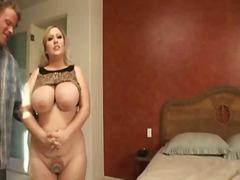mulher bonita grande, peitões, mamas