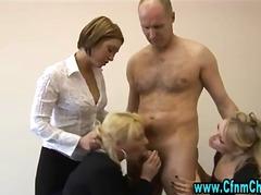 bdsm, boquete, britânico, ela vestida ele nu, dominação feminina, fetiche, punheta, humilhação