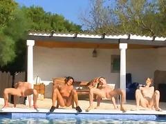 مجموعات, سحاقيات, عرى, حمام السباحة, خلع الملابس