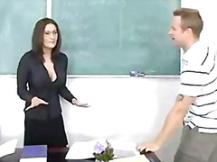 إمناء على الوجه, سيدات رائعات, المعلم, نهود كبيرة