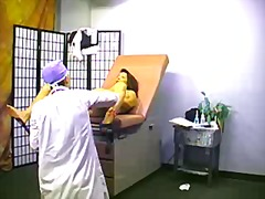 فتشية, طبيب النساء