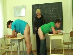 ولد, رجلان وامرأة, أمهات, المعلم