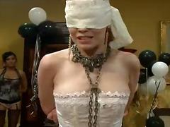 Justine Joli, bdsm, bağlı, qadın kişini, qrup, ağır sikişmə, lezbi, eyş-işrət