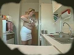красавицы, скрытая камера, на кухне, мастурбация