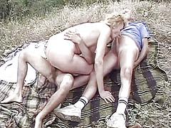 blond, orgie, buiten, sex met z'n drieën