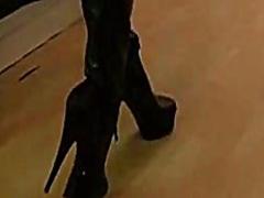 أحذية طويلة, جلد
